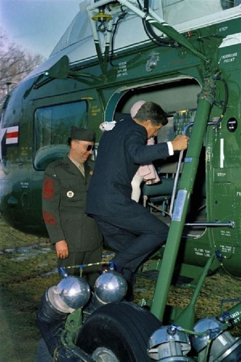 """Review: VH-34D """"Marine One"""" Helicopter 