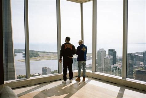 Drake shows that he really has the best Toronto views