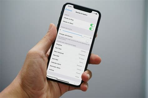How to Turn Off the iPhone Ringer