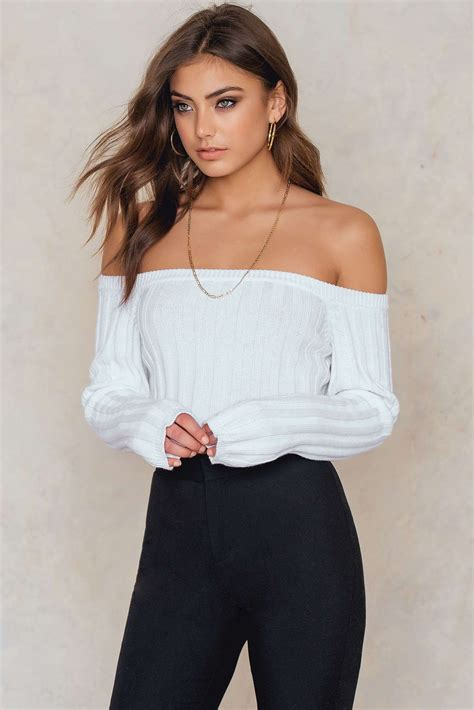 Get your knit fix in this must-have top! The Offshoulder