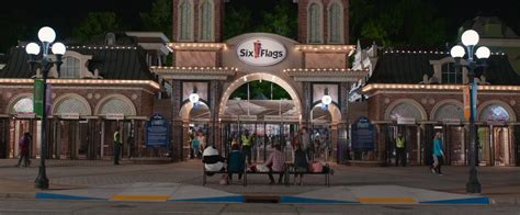 Six Flags Amusement Park in Instant Family (2018)