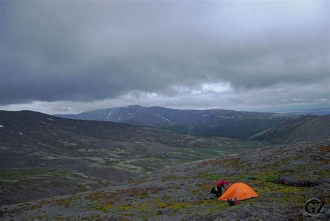 Hiking in the Khibiny and Lovozero Mountains (Russian